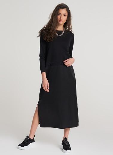 Pi π Eteği Saten Detaylı Sweat Elbise Siyah